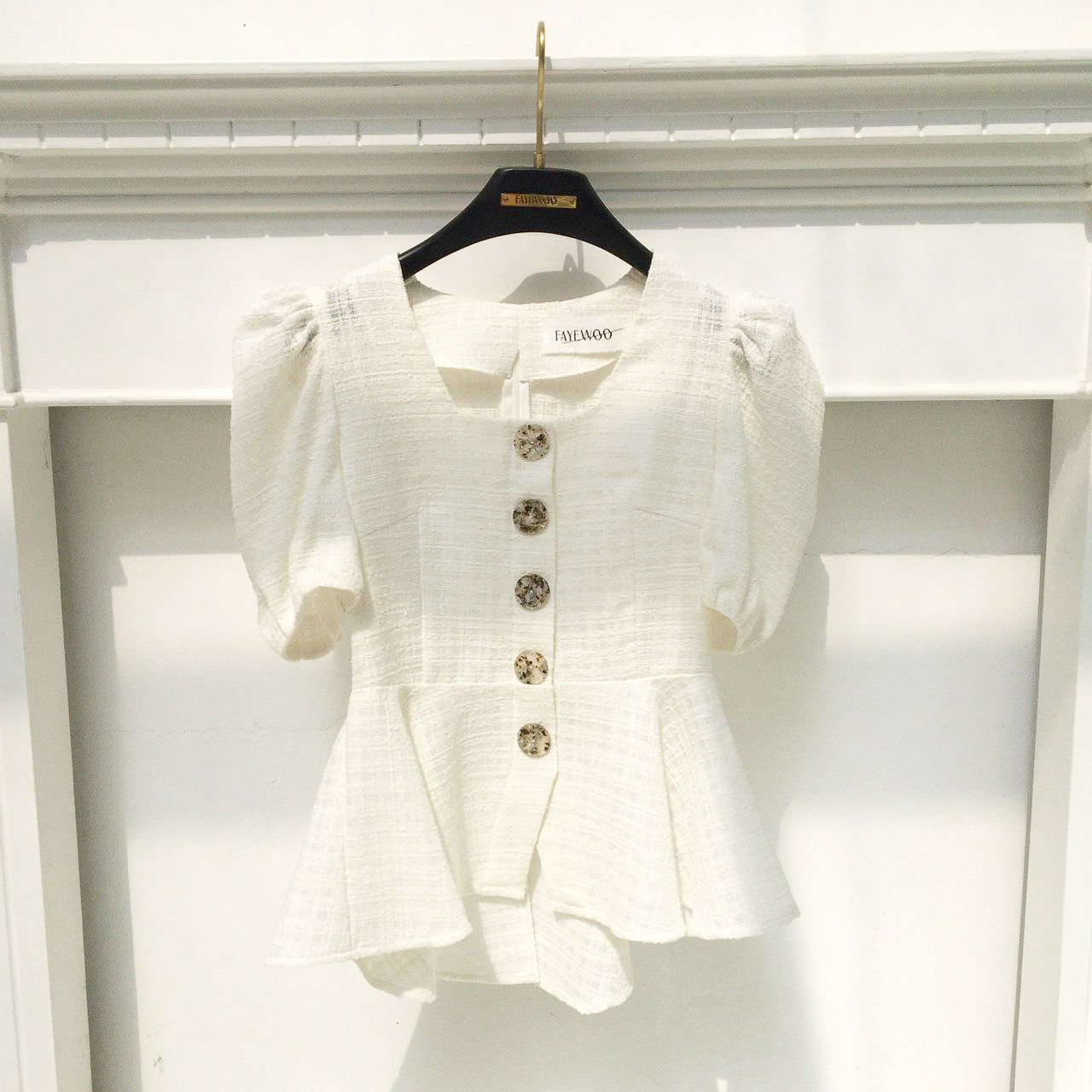 Shell Button Blouse(White)